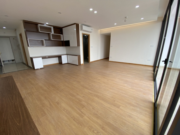 3BEDROOM UNFURNISHED IN CHELSEA RESIDENCES (CITY VIEW)